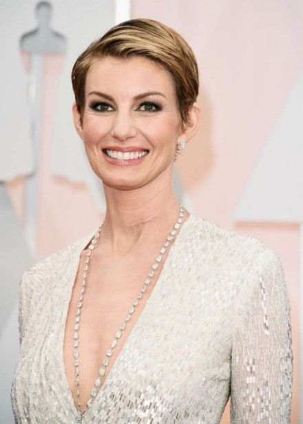 Faith-Hill--2015-Oscars--02-662x925