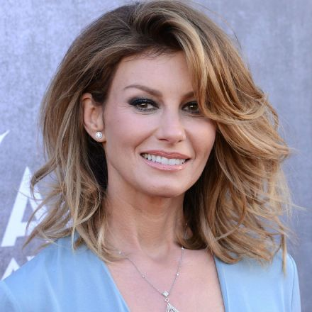 faith-hill-grammys-2015-feb515